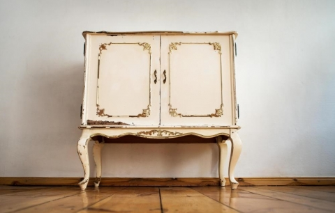 How to Shop for Vintage Furniture Picture